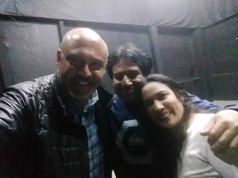 Sergio González con Vanessa Malca y Javier Pérez - ArtesUnidas.com