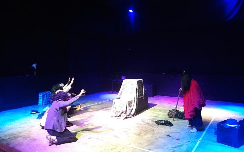 """Puesta en escena de """"La Orgía"""" - La Tribu Escena"""