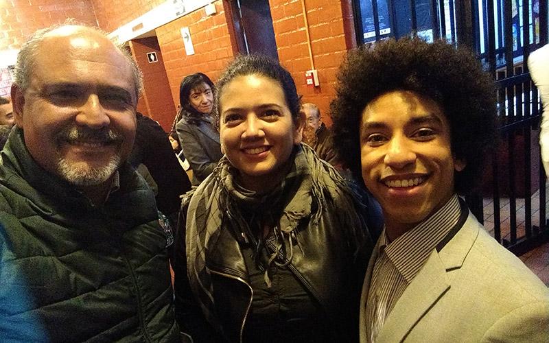 Con Francisco Rodriguez y Giovanna Poggi en el estreno - ArtesUnidas.com