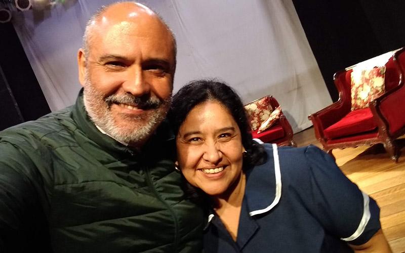 Anita Esquivel y Sergio Gonzalez despues de la función de Señoritas a Disgusto - ArtesUnidas.com