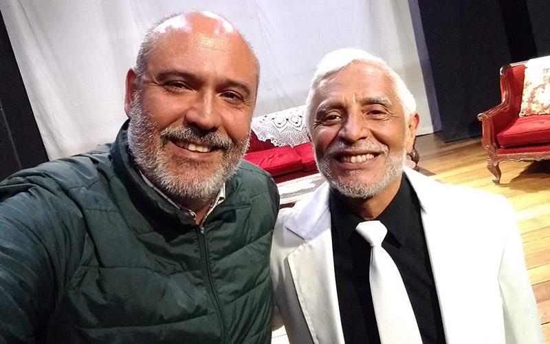 Antonio Aguinaga junto a Sergio Gonzalez finalizando Señoritas en Disgusto - ArtesUnidas.com
