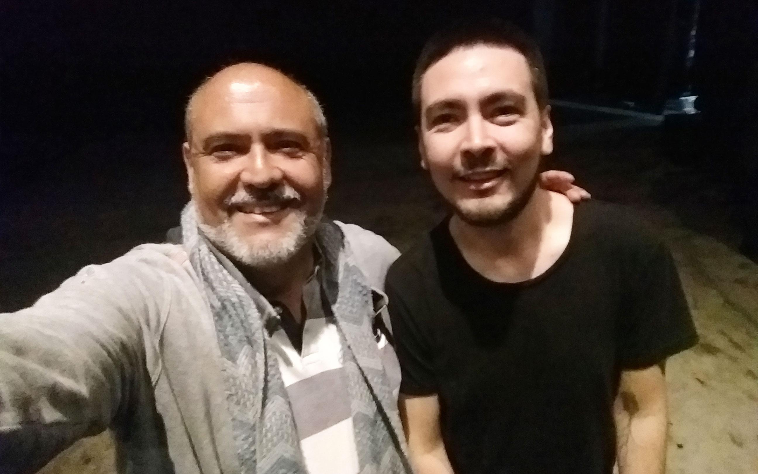 Sergio González junto a Giovanni Oviedo de Como Hombre - ArtesUnidas.com