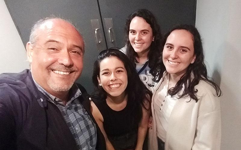 Belén Lengua y sus amigas junto a Sergio González en Agua el Musical - ArtesUnidas.com